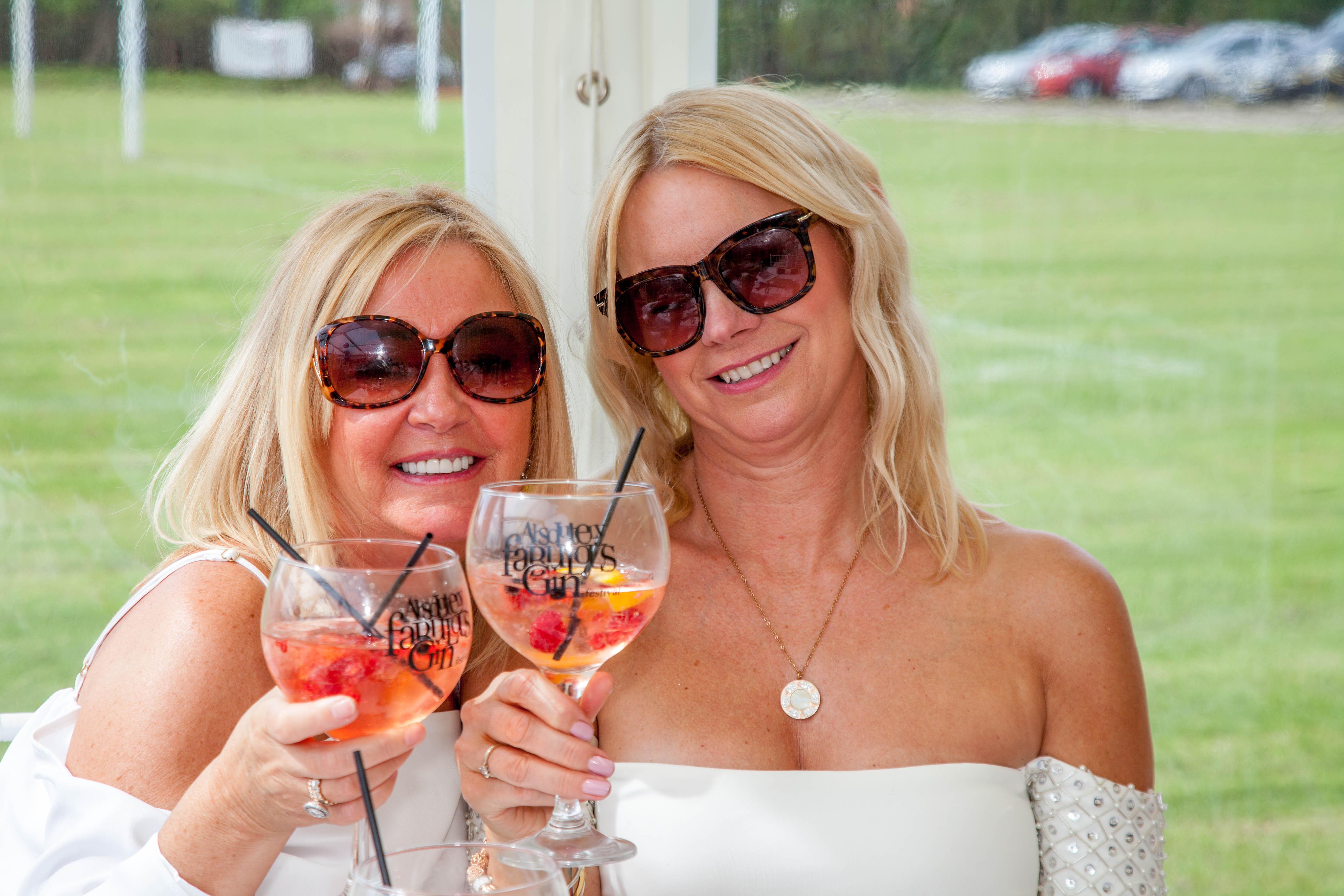 All White Theme Gin Festival – Liverpool – 11th & 12th May 2018 Photographs